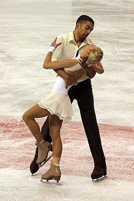 A. Savchenko and R. Szolkowy at 2009 Skate Canada.jpg