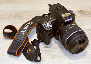 English: Sony Alpha 55 with Sony DT 18-55 mm F...