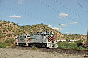 EMD GP39DC - Image: AZ aug 10 046x RP Flickr drewj 1946
