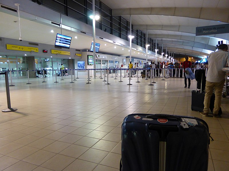 AbidjanAirportHallDep 2016