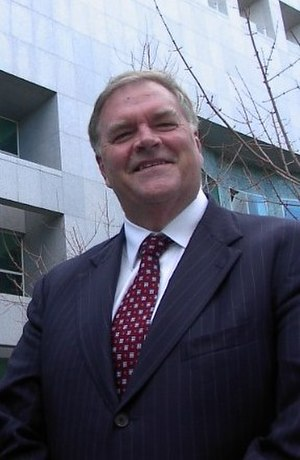 Kim Beazley - Kim Beazley outside Parliament House, Canberra in July 2004