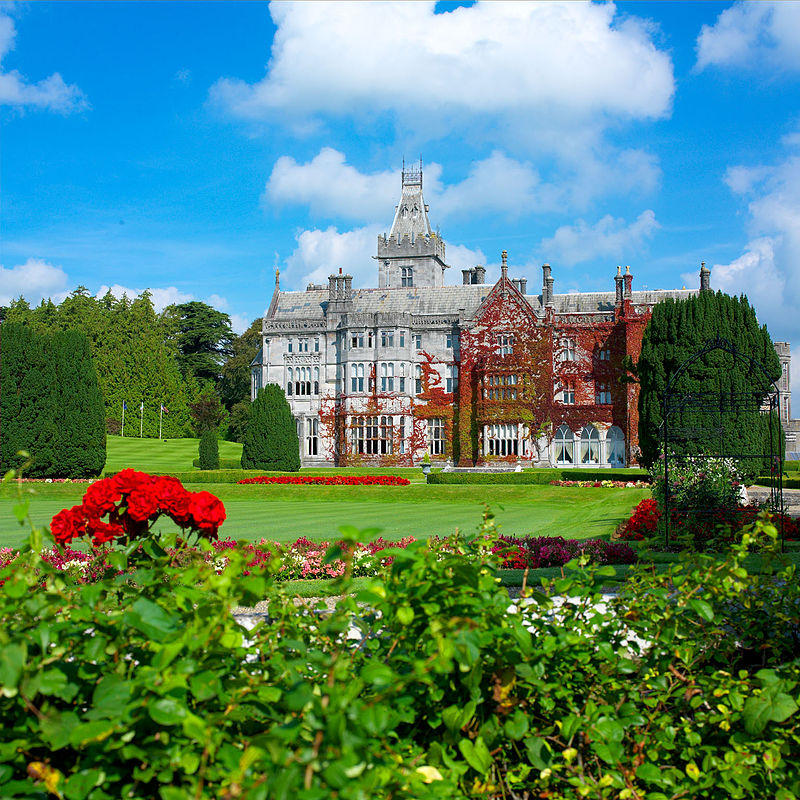 https://upload.wikimedia.org/wikipedia/commons/thumb/7/7e/Adare_Manor_Garden.jpg/800px-Adare_Manor_Garden.jpg