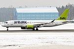 Air Baltic, YL-CSK, Airbus A220-300 (32789712078).jpg