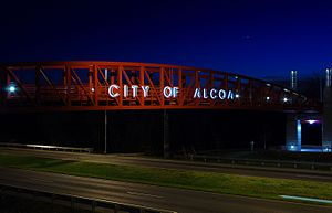 Alcoa, Tennessee - Pedestrian bridge over Alcoa Highway