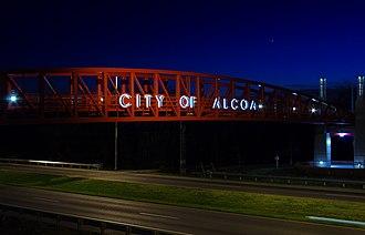 Alcoa, Tennessee - Pedestrian bridge over Alcoa Highway