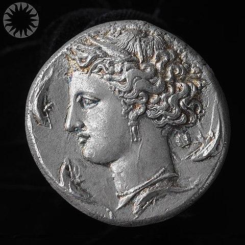 """СЕРЕБРЯНЫЙ ТАЛАНТ"" 480px-Ancient_Greek_Silver_Coin_%28Dekadrachm%29%2C_about_400_B.C.E."