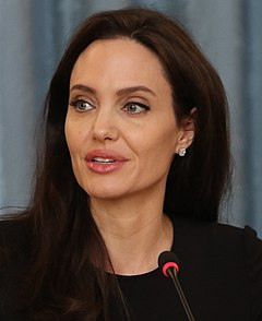 Angelina jolie and billy bob thornton smooch dating 10