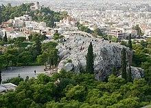 Veduta della collina dell'Areopago, uno dei centri di potere al tempo di Solone.