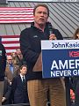 Arnold Schwarzenegger at John Kasich rally 1.jpg