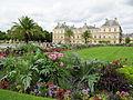 Arrangement floral dans le jardin du Luxembourg.jpg
