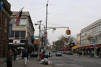 Steinway Street - Image: Astoria steinway broadway 1