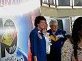 Astronauta Marcos Pontes e a astronauta Ellen Baker tirando fotos com pessoas nno Domingo com o Astronauta, evento comemorativo dos 10 anos da Missão Centenário, a primeira missão espacial brasileira - panoramio.jpg