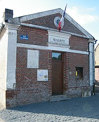 The town hall in Aumont