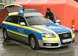 Take-home vehicle - High Visibility German police car (Lower-Saxony, blue)