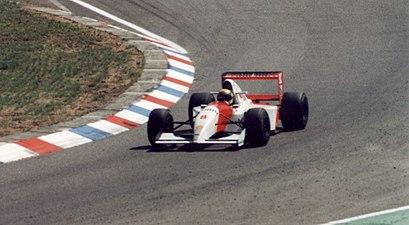 AyrtonSennaAtHockheimGP1993-2.jpg