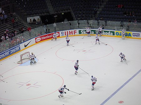 Slovakia warming up prior to facing Belarus in Group A preliminary action BELARUS-SLOVAKIA 2010-05-11.JPG