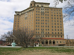 Baker Hotel (Mineral Wells, Texas) - The Baker Hotel in 2006.