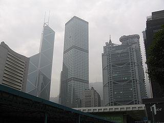 根據金管局的要求,銀行須對樓宇按揭申請人進行模擬利率回升的壓力測試:假設樓按利息回升兩厘,屆時供款與入息的比率不得超過六成。 (圖片:Sengkang@Wikimedia)