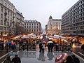 Basilica de San Esteban, Mercado de Navidad - panoramio.jpg