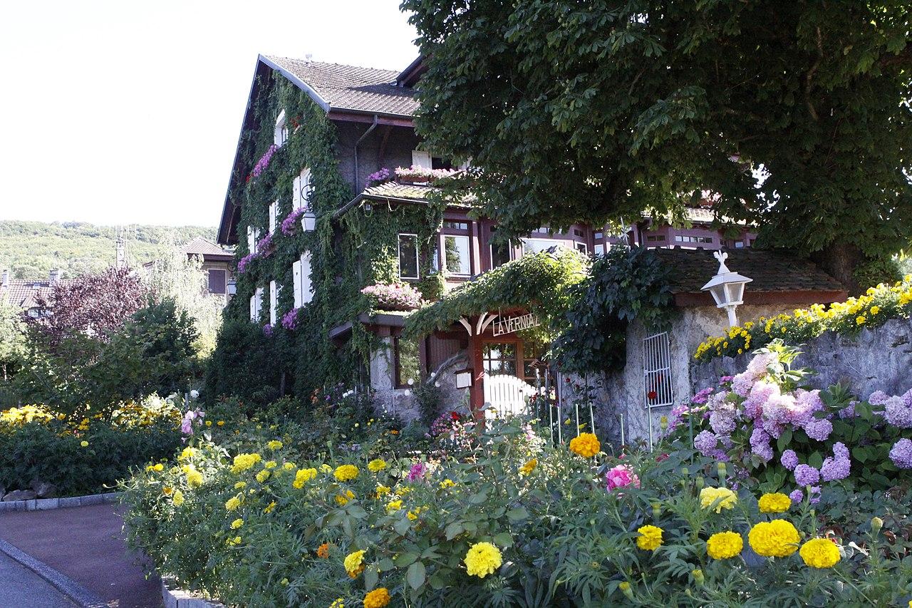 File:Beautiful Restaurant Near Evian   Panoramio