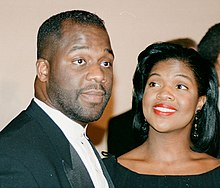 BeBe Winans (left) and CeCe Winans (right) in 1994