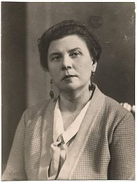 BenjaminaEmilija - 1920-30-LABR-Iz218-10.jpg