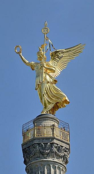 Victoria (mythology) - Image: Berlin Siegessäule Spitze