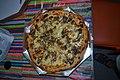 Bestellte Pizza ins Cafofo Hostel in Rio de Janeiro (21495181393).jpg