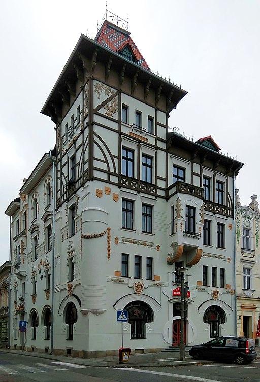 512px-Bielsko-Bia%C5%82a%2C_Frog_House.jpg