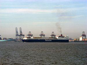 Big Stena Ferry coming into Harwich.jpg