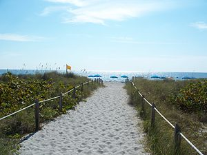 Bill Baggs Cape Florida State Park - Image: Bill Baggs SP beach 01