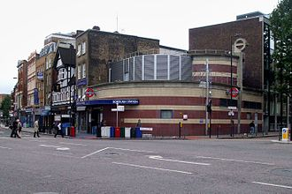 Borough tube station - Entrance on Borough High Street