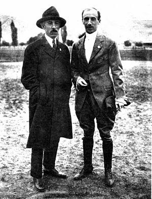 Eduardo Bradley - Eduardo Bradley next to Alberto Santos-Dumont