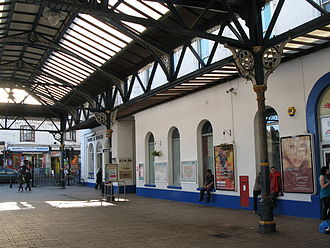 Brighton railway station - The station forecourt showing Mocatta's original building which is now largely obscured