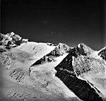 Brooks Glacier, August 24, 1979 (GLACIERS 5138).jpg
