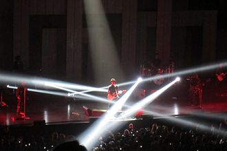 Bruno Mars - Bruno Mars and The Hooligans performing with strobe lights