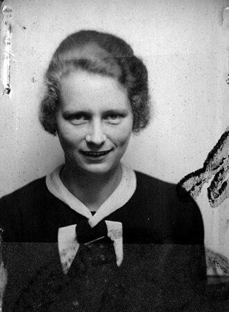 Hedwig Potthast - Image: Bundesarchiv, Bild N 1126 Bild 38 002 Hedwig Potthast
