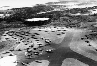 Oslo Airport, Fornebu - Fornebu after the Luftwaffe had taken over the field
