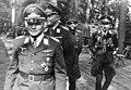 Bundesarchiv Bild 146-1979-128-35, Ramcke, Kurt Student, Hans Kroh.jpg