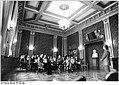Bundesarchiv Bild 183-1989-0327-025, Schwerin, Staatstheater, Flotow-Zimmer.jpg