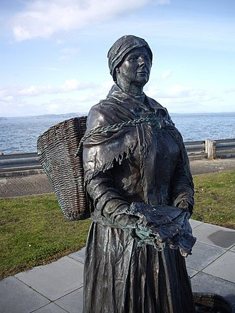Fishwife - Image: Bust of the 'Nairn Fishwife. geograph.org.uk 1530781