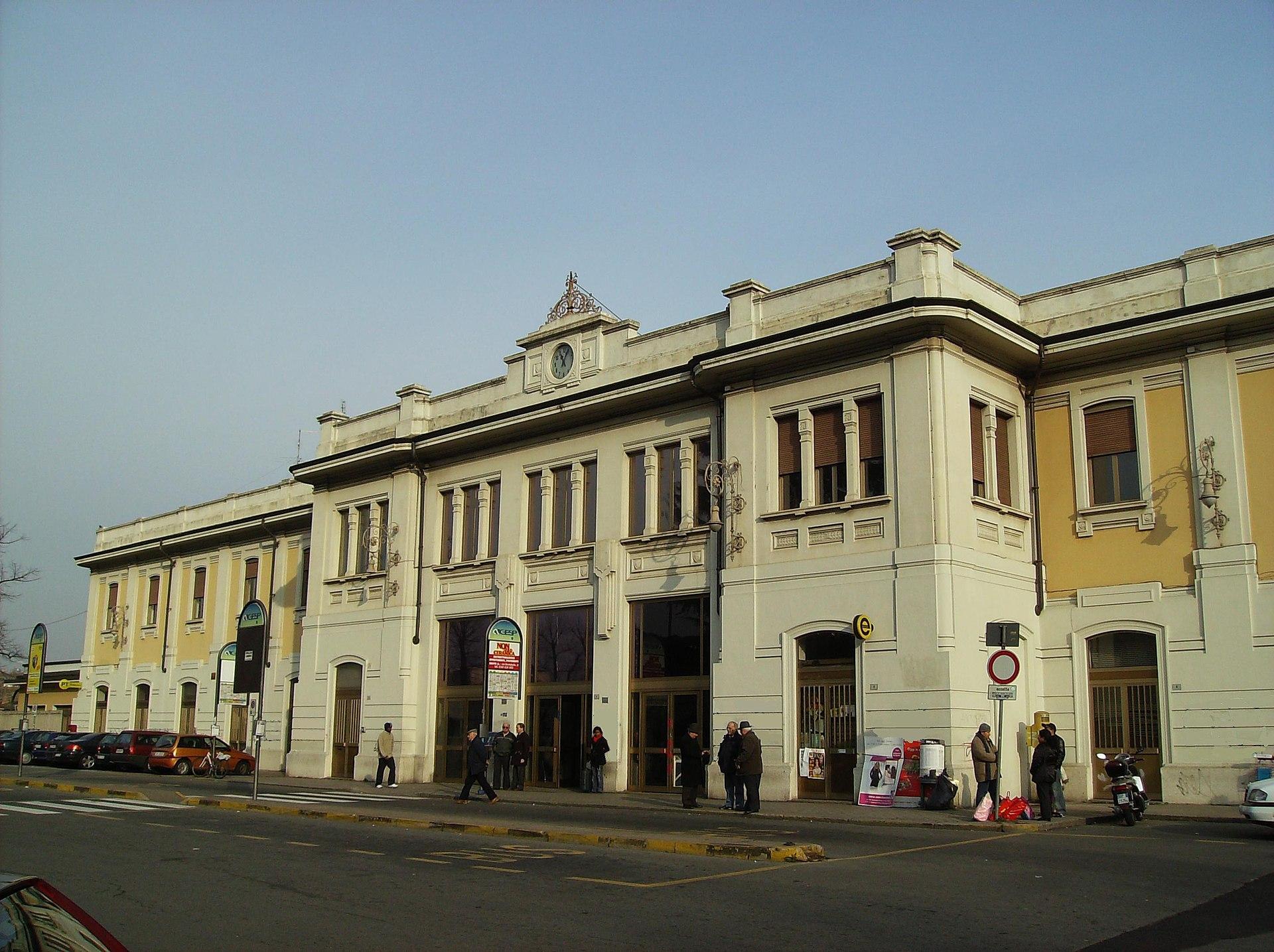 Stazione di busto arsizio wikipedia - Stazione porta vittoria milano ...