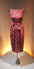C.1960 red and white printed dress. Balenciaga Museoaren inaugurazioa 22.jpg