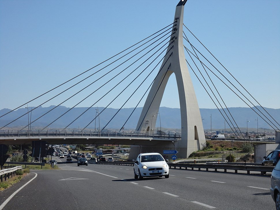 Cable-stayed bridge of the Monserrato University Campus interchange