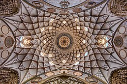 Casa histórica de Boroujerdi, Kashan, Irán, 2016-09-19, DD 40-42 HDR.jpg