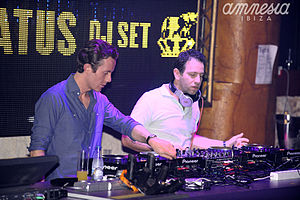 Chase & Status - Image: Chase & Status on the decks!