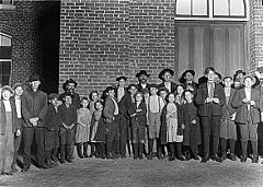 Child workers in Clinton, SC.jpg