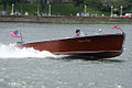 Chris Craft Runabout 1945 runnin 02 LakeMirrorClassic 17Oct09 (14620607843).jpg