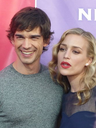 Covert Affairs - The characters Auggie Anderson and Annie Walker are portrayed by Christopher Gorham (left) and Piper Perabo (right).