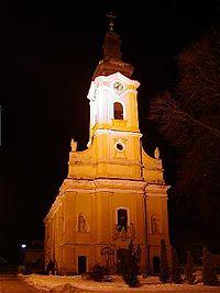 Chtelnica-Kostol Najsvatejsej Trojice.jpg